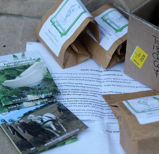 Living seeds parcel